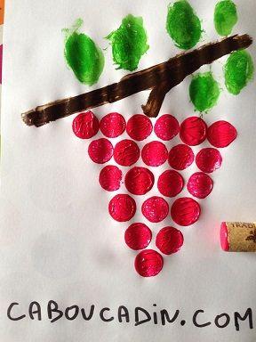 peindre une grappe de raisin avec un bouchon en liège et de la peinture un #bricolage #automne #caboucadin
