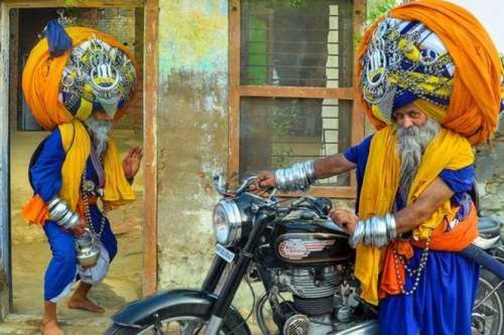 Gak Kebayang, Ini 6 Rekor Paling Aneh yang Dipegang Orang India
