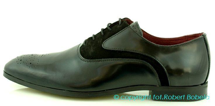 Ambitious – buty męskie z Portugalii. Marka Ambitious to marka, która daje modny projekt i udowadnia, że możemy nosić najnowsze tendencje panujące w świecie  butów. Obuwie męskie Ambitious wygląda niezwykle czy to w pracy czy podczas spędzania wolnego czasu . http://zebra-buty.pl/model/3908-polbuty-meskie-ambitious-2032-003  #półbuty