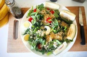Bulk up your salad with Quinoa :D (www.naturalnibs.com)