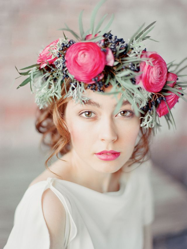 Berries and ranunculus flower crown | Ksenia Milushkina Photography | see more on: http://burnettsboards.com/2014/07/editorial-beautiful-trends-floral-design/