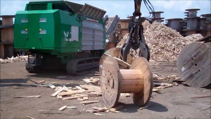 Komptech Terminator 5000 Shredding Wooden Spools