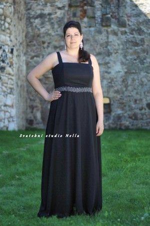 Plesové splývavé šaty - černé šaty - dlouhé šaty www.svatebninella.cz