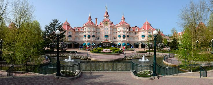 Disneyland Hotel | Disneyland Paris Hotels