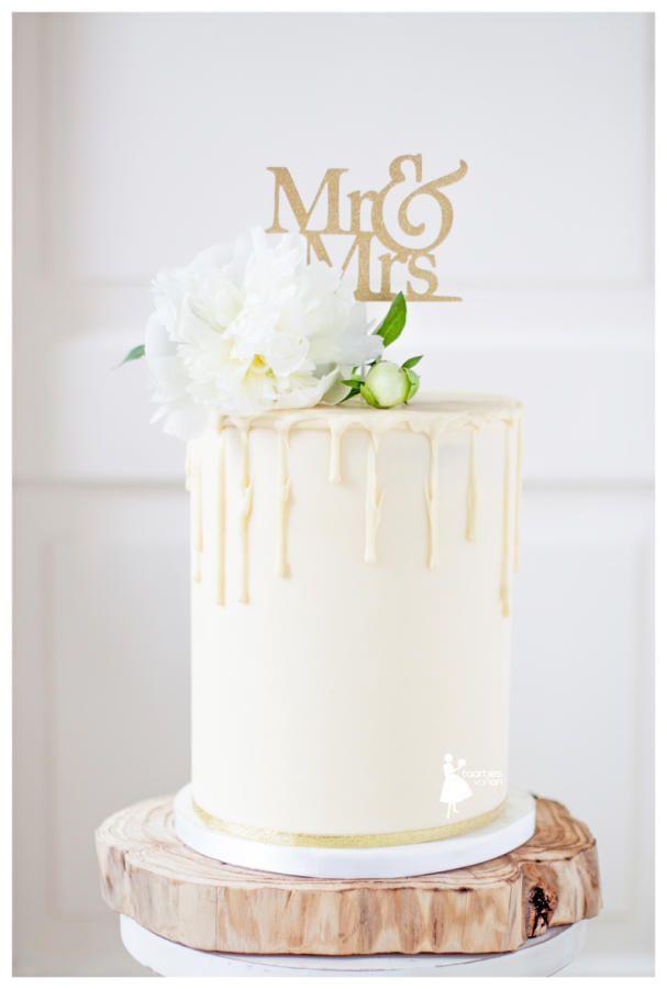 Buttercream double barrel wedding cake with drips - Cake by Taartjes van An (Anneke)