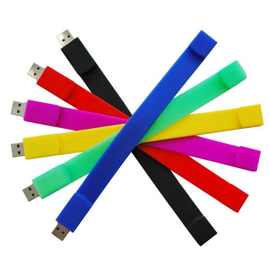 Silicone Wristband USB Flash Drive A memory stick in a wrist band! #Geeks #Techies #USB #SocialResponsibility #Gear #hipster #tagsforpins