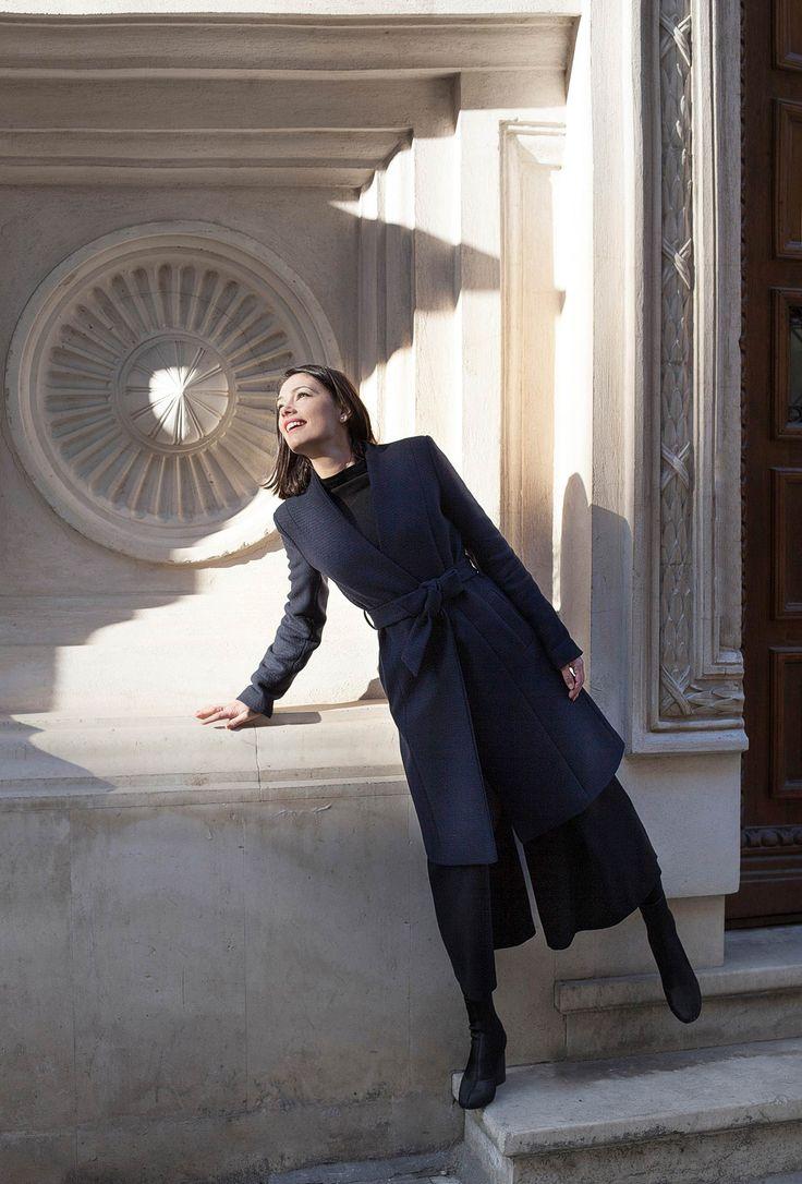 French vibes • winter coat www.deilanistore.com #iuliaverdes #actress