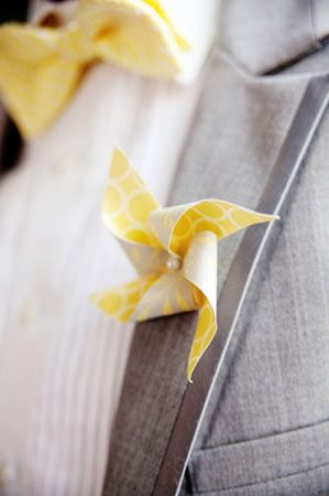 pinwheel boutonniere--cute for prom.  Could make with the girls to match their dresses.  $1 fat quarter-cheaper than a real flower and cooler!  Could make a matching one to add to their wrist corsage!