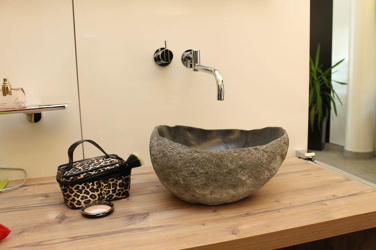 die besten 25 steinwaschbecken ideen auf pinterest waschtisch set sockel waschbecken. Black Bedroom Furniture Sets. Home Design Ideas