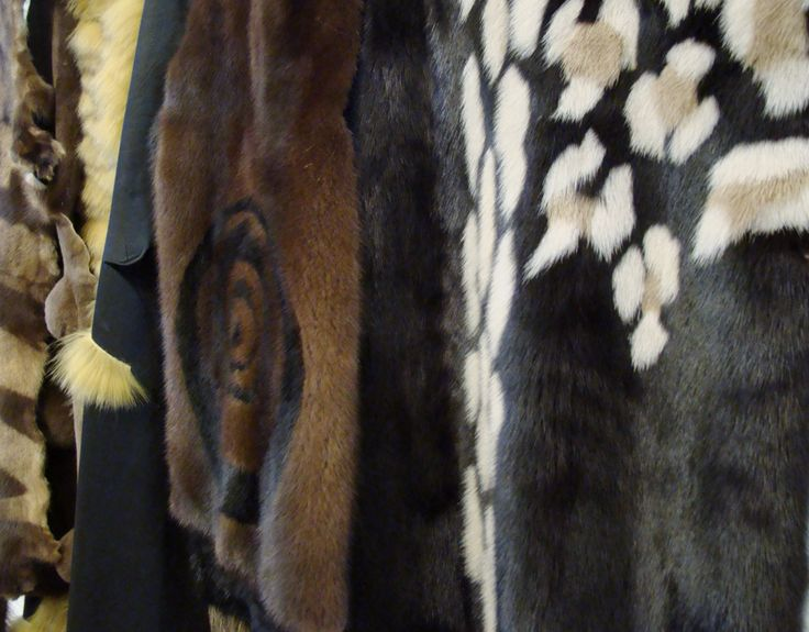 Natural colours and animal patterns are everlasting classics in our opinion.