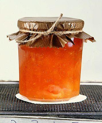 Ingredientes: 1 abacaxi de 1 kg 1 1/2 xícara (270 g) de açúcar 1/4 de xícara de suco de limão 1 colher (sopa) de hortelã picada Modo de preparo: Descasque o abacaxi e bata a polpa no liquidificador…