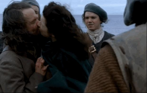 Is This The End For Jamie & Claire?: 'Outlander' Season Finale GIF Recap | Decider | Where To Stream Movies & Shows on Netflix, Hulu, Amazon Instant, HBO Go