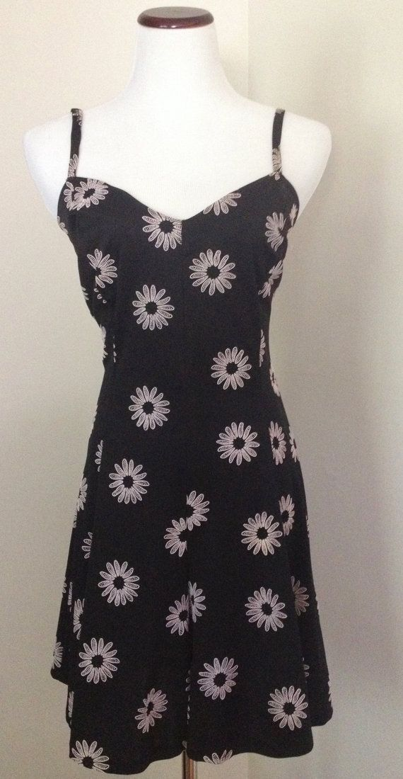 Vintage 90s Daisy Print Romper / Floral by OneSweetNightVintage