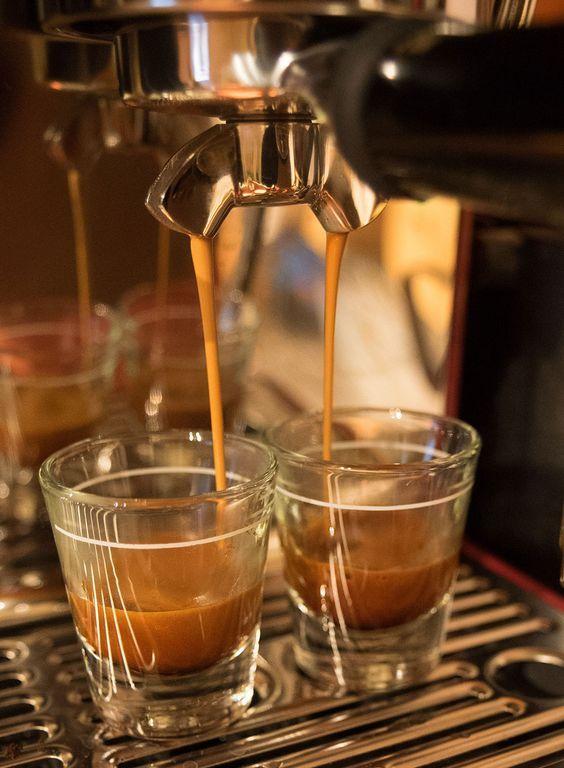 Saeco, Jura, Gaggia, Krups, DeLonghi - Super Automatic Espresso Machine Reviews - http://www.brew-coffee.ca/espresso/saeco-jura-gaggia-krups-delonghi-super-automatic-espresso-machine-reviews/: