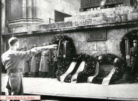 The Feldherrnhalle memorial was the scene of annual ceremonies honoring the dead of the putsch. Above left, Rudolf Hess salutes the memorial;