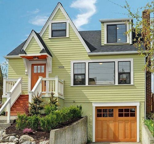 love this exterior color combo.