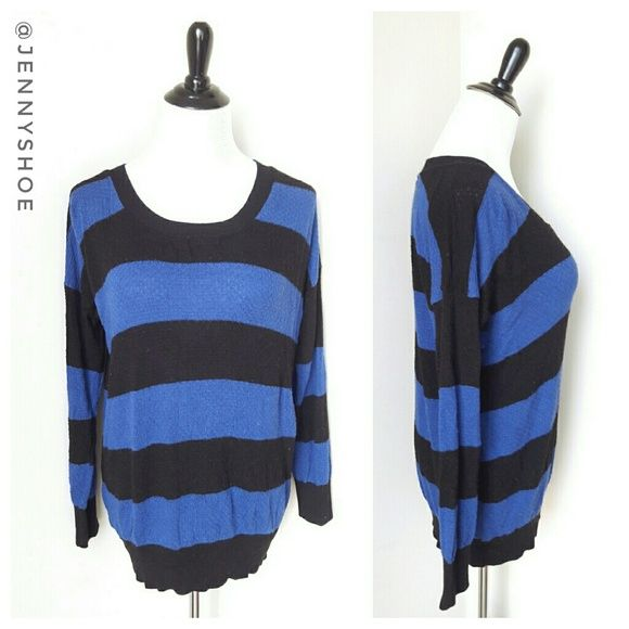{forever 21} oversized striped top Comfortable and cute slouchy black and blue striped top from Forever 21.   3/4 sleeves with a cozy waffle knit. Pair with jeggings and black flats for a casual but chic look!   Size small Gently worn. Forever 21 Tops