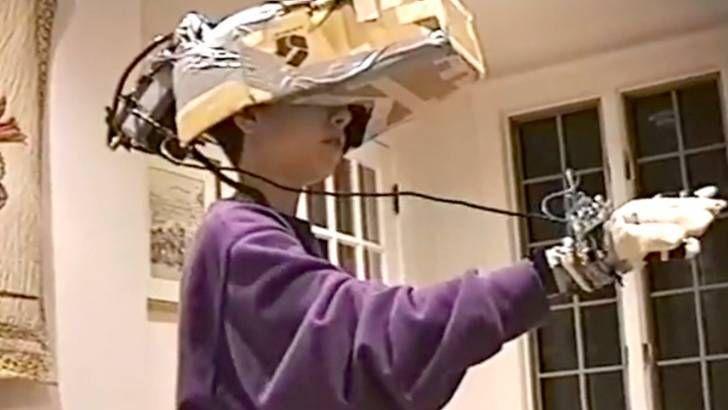1993te Eldeki İmkanlarla Yapılan Artırılmış Gerçeklik (VR) Seti http://goster.co/1993te-eldeki-imkanlarla-yapilan-artirilmis-gerceklik-vr-seti