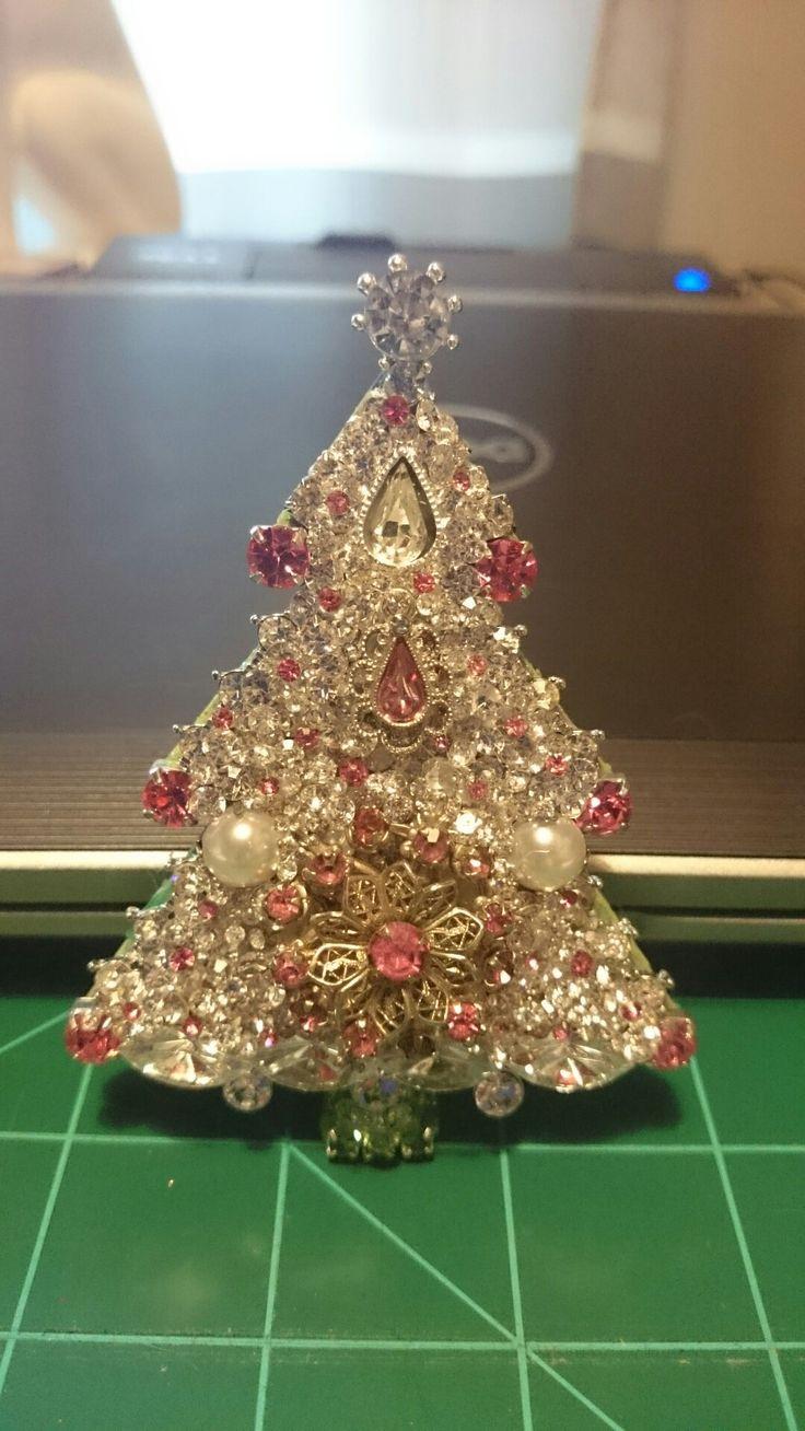 jewelry art Christmas tree