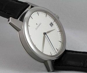 Zeitwinkel 032° - picture by #horlogerie.suisse http://www.horlogerie-suisse.com/horlomag/revues-de-montres/00219/revue-de-deux-modeles-de-montres-zeitwinkel