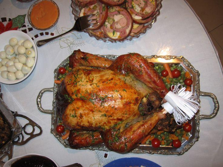 Pavo de Navidad relleno de pan y frutas