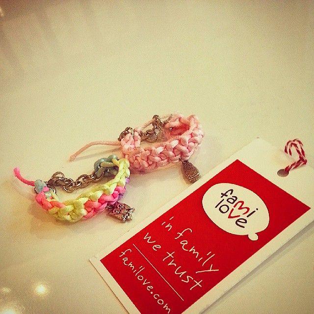 Plecione bransoletki od FAMI LOVE czekają na małą modnisie ♥♥♥ #familovedotcom #familove #malystyl #kidsstore #sklepdladzieci #modnedzieci #kidsfashion #style #cracow #kidstyle #kids #fashion...