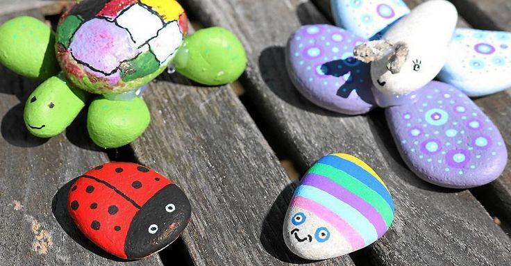 Stenpyssel är ett kul pyssel för alla! Det är bara att plocka fram fantasin, limma ihop med ett passande lim och måla fram fina stendjur.