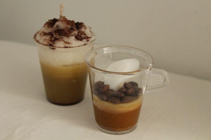 https://flic.kr/p/yEDYxu | VELAS QUE TIENEN FORMA DE TAZAS DE CAFÉ | Expreso vela, decorada con auténticos granos de café y un cubo de azúcar hecho de cera.  Vela que tiene forma de café manchado, decorada con auténtico cacao en polvo.  Artesanal.  También en:  www.ilmiomondoincera.com