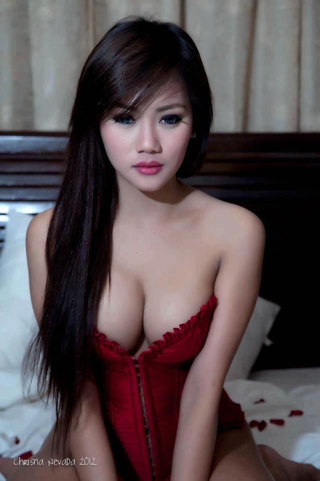 Sexy hot arousing nude girls directly. Very