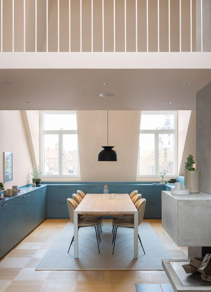 Kuulaan sininen ullakkoasunto Tukholmassa | Oikotie - Kotiin