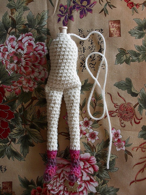 Amigurumi Doll Legs : free spirit Ami doll leg torso pic tutorial crochet ...