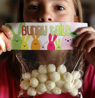 "Free ""Bunny Tails"" bag topper printable...we used snack sized zip lock bags and filled them with colored marshmallows :)"
