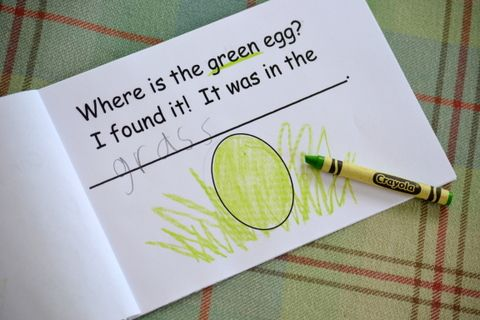 Happy Easter!  A free printable Easter booklet that reinforces emergent literacy skills. (This whole post is filled with emergent literacy links and information!)  Woot!