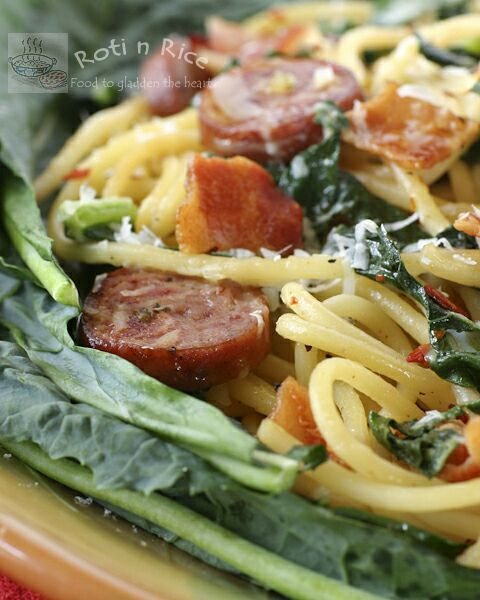Pasta With Hot Italian Sausage, Kale, Garlic, And Red ...