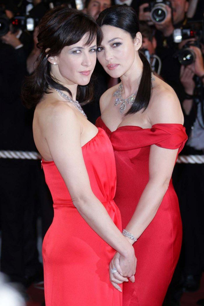 20 moments forts qui ont marqué le Festival de Cannes Sophie Marceau et Monica Bellucci (2009)© Getty