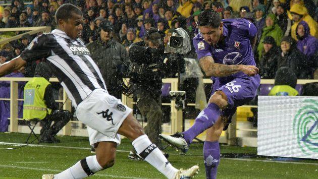 Fiorentina venció 2-1 al Siena con Juan Vargas en la cancha