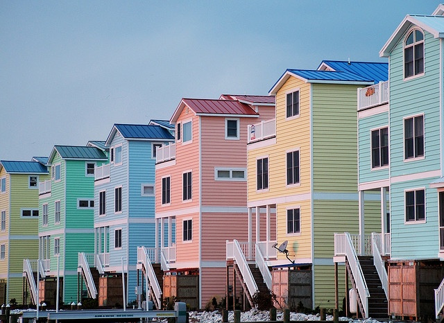 pastel beach houses in fenwick island, delaware