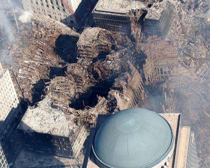 "https://flic.kr/p/cF5or | WTC 9/11 | New York, New York (Sep. 19, 2001) -- ""Ground Zero"" at the World Trade Center disaster."