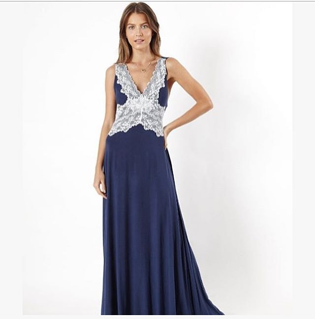 #Camisola Maries Robe de Nuit ��❤️ #calcinhas #diadosnamorados #lovelingerie  #bonssonhos #sweetdreams #boanoite  #chadelingerie #presentes #dicadepresente #lingerie #pijamas #sleepwear #loungewear #intimates  #handmade #style #lingerielove #renda #francesa #lovelace #bride #noivas #luxo #muitoamor #marieantoinette #simplesmenteperfeito #body  #sugestoesdepresentes #delicadezanosdetalhes http://gelinshop.com/ipost/1522756476263163278/?code=BUh6vJ_F2WO