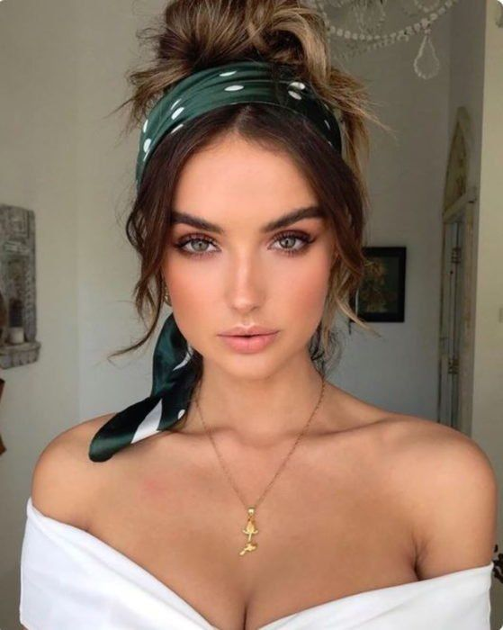 100 Best Natural Makeup Looks 1 Top Ideas To Try Recipes natural makeup recipes - Makeup Recipes Beauty Make-up, Beauty Hacks, Hair Beauty, Beauty Tips, Brunette Beauty, Best Natural Makeup, Hair Accessories For Women, Hair Inspiration, Curly Hair Styles