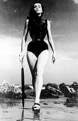 Vampira (Maila Nurmi 1922 - 2008) Absolutely stunning woman!