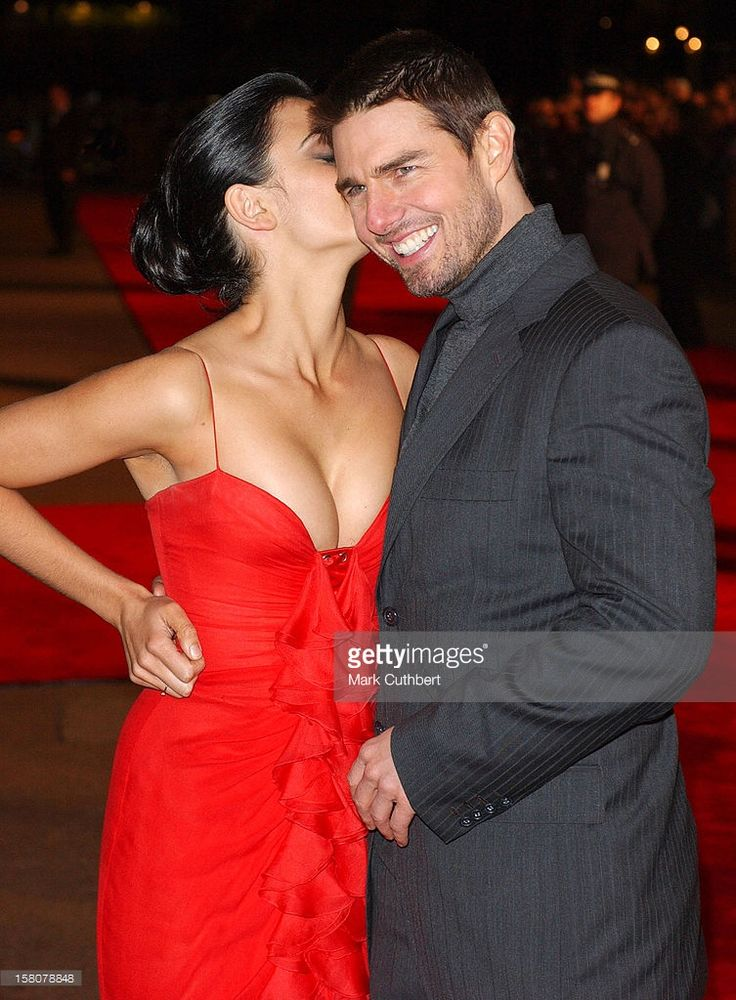 2004: Tom Cruise & Penelope Cruz Attends 'The Last Samurai' Uk Premiere In London's Leicester Square.