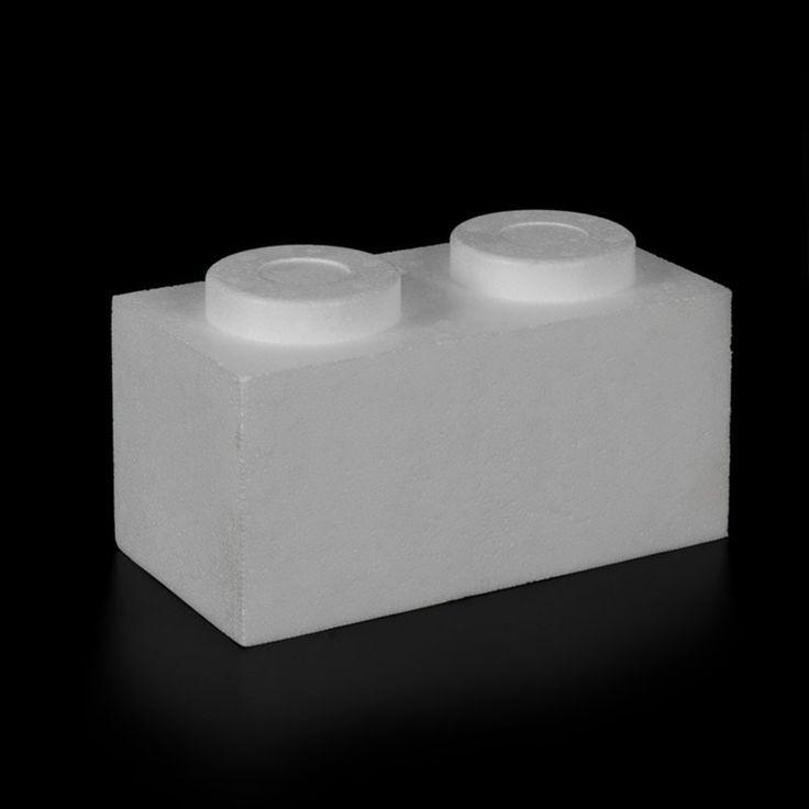 PIEZA CONSTRUCCIÓN PÓREX, TIPO LEGO. Estas originales piezas de poliestireno expandido imitan los ladrillos y son perfectas para crear construcciones educativas y lúdicas, escaparates o alucinantes presentaciones. Blíster de 4 unidades.