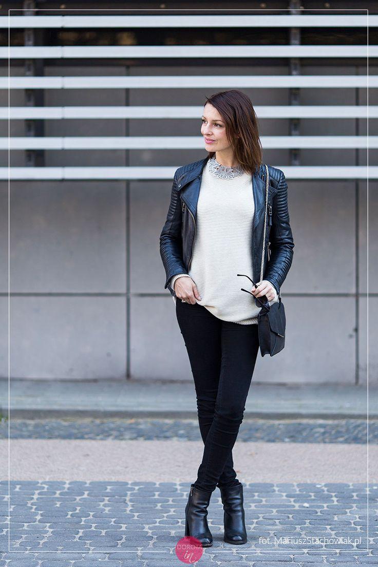Sweter oversize w stylizacji s botkami i ramoneską.   Oversize sweater  #outfit with black
