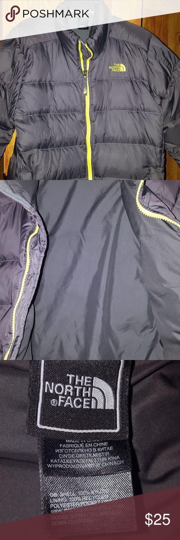 Boys The North Face winter coat Like new boys puffy winter coat. The North Face brand. Size Large (14/16) Jackets & Coats