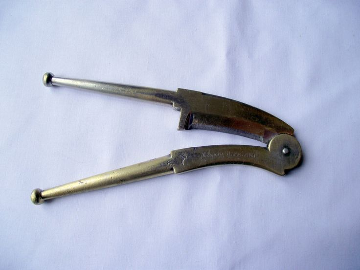 Betel nut cutters from Jamnagar, India. Used on parcels of Areca nut and betel vine leaves plus other ingredients by CollectablesClearout on Etsy