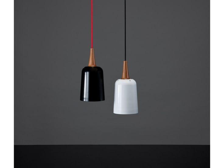 Ampel's sleek, curved form generates an unobtrusive, elegant pendant that hangs beautifully in either a cluster or line layout. KIWI DESIGN Tim Webber Design AwardsWinner2012 Design Folio I…