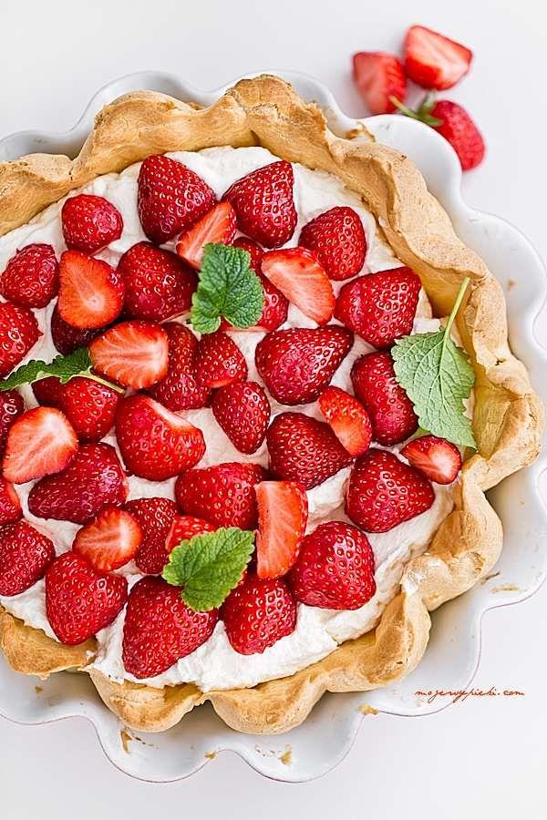 Ciasto Ekler z truskawkami