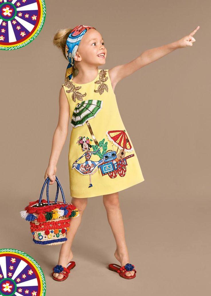 Dança, música e festa. A nova coleção da Dolce & Gabbana é inspirada no…