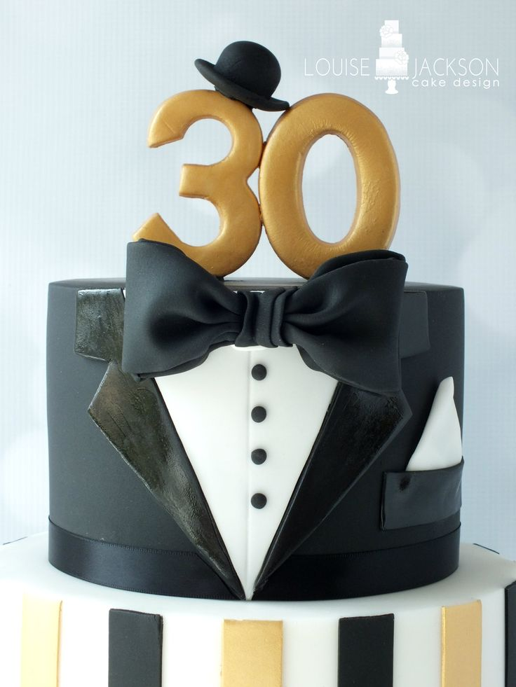 Top tier of The Great Gatsby inspired 30th birthday cake